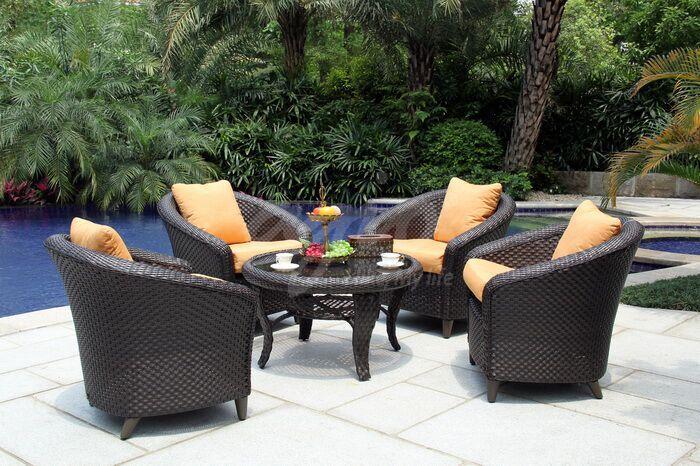 TONY庭院部落为北京客户漂亮小姐姐提供AGIO庭院桌椅汉福德沙发