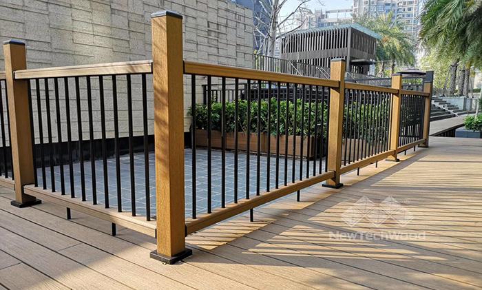 美新超越木护栏