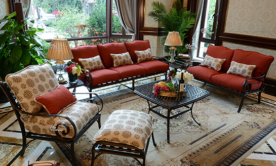 agio-罗彻斯特铸铝沙发