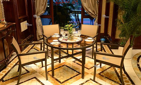 agio-圣特罗佩铸铝桌椅