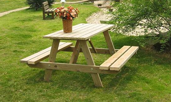 实木连体桌椅