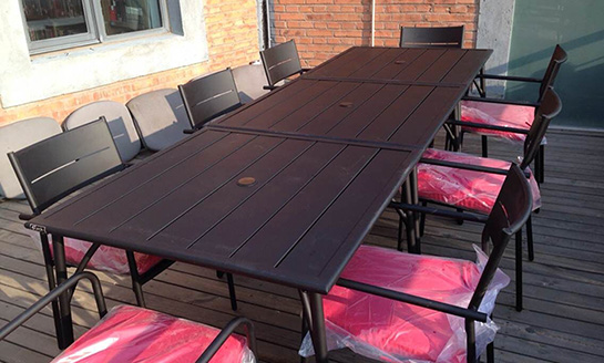 慕尼黑钢板桌椅