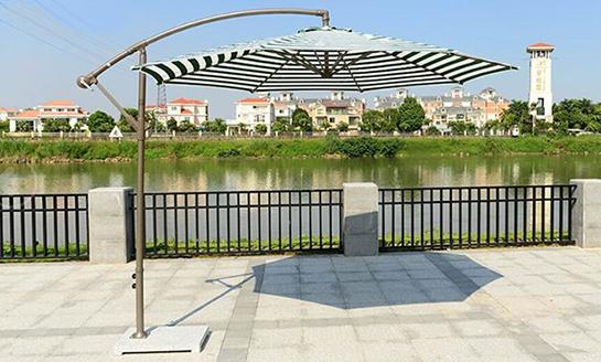 户外遮阳伞-AMT直径3米绿白条香蕉伞